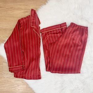 Jones New York Red Silky Christmas Pajamas {ST}